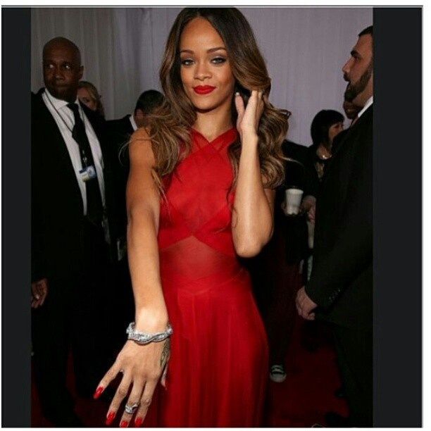 Nail polish colors for red dress