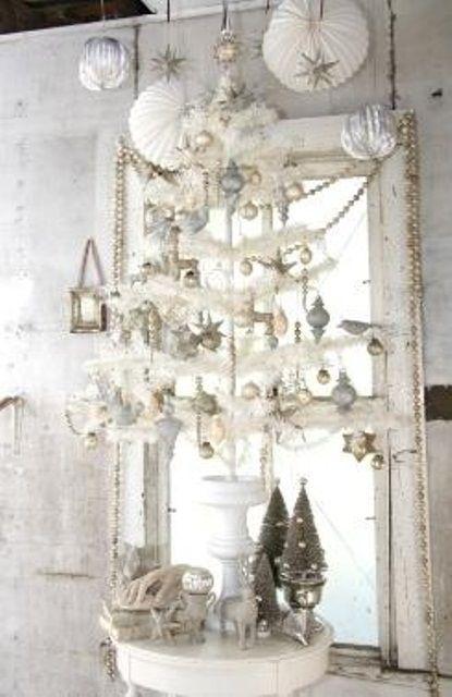 Vintage White Christmas Decorating Ideas