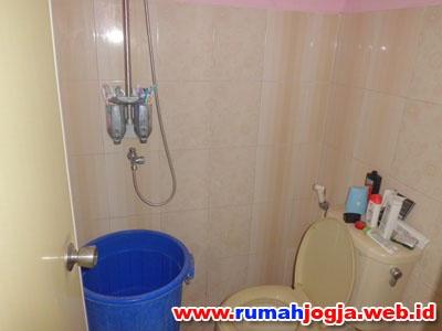 kamar mandi dan toilet rumah jogokaryan