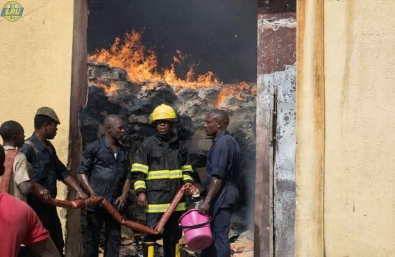 Update: No Casualties recorded after fire incident at Dangote factory in Ikorodu   Update: No Casualties recorded after fire incident at Dangote factory in Ikorodu  On Thursday eyewitnesses alerted the public about a fire incident at Dangote company in Ikorodu (Readhere). The Lagos State Emergency Management Agency (Lasema) has now given a report on the incident. Read after the cut...  Report on fire incident at dangote company located at Ogolonto Ikorodu - The Agency received a distress…