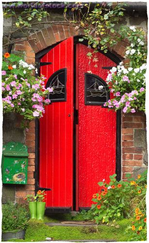 Google Image Result for http://www.peacefulspaces.com/red-door-tall.jpg
