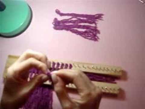 Passo 1: Colocação das franjas no tear de pregos - YouTube