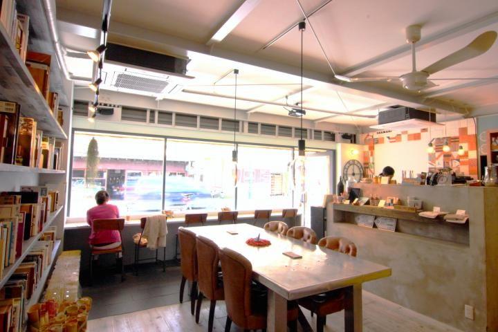 鎌倉ランチで立ち寄りたいリノベーションブックカフェ「ハウス ユイガハマ」 | ことりっぷ