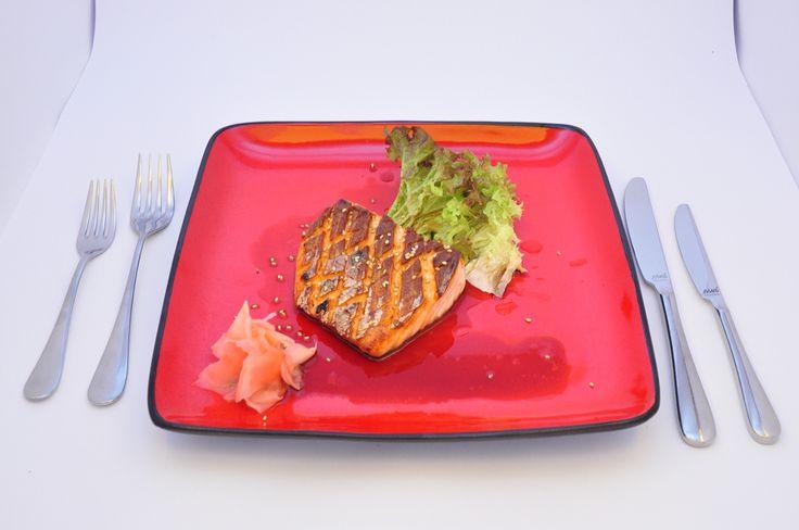 Grilovaný plátek lososa s teriyaki omáčkou si u nás určitě vychutnáte. #pytloun #liberec #salmon #saikocuisine #restaurant #timeforlunch