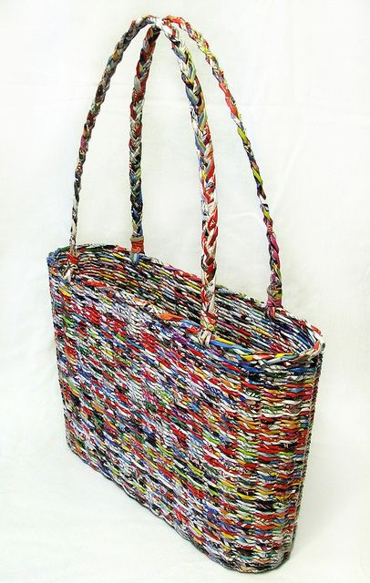 recycled basket BORSA CON CANNUCCE DI CARTA INTRECCIATE