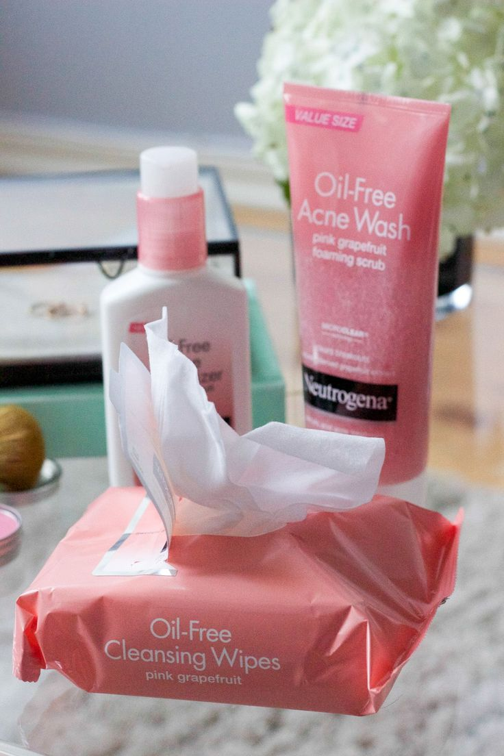 Neutrogena face wash | chatting skincare on the blog today with @Neutrogena & @Target! #SchooledByBeauty #ad
