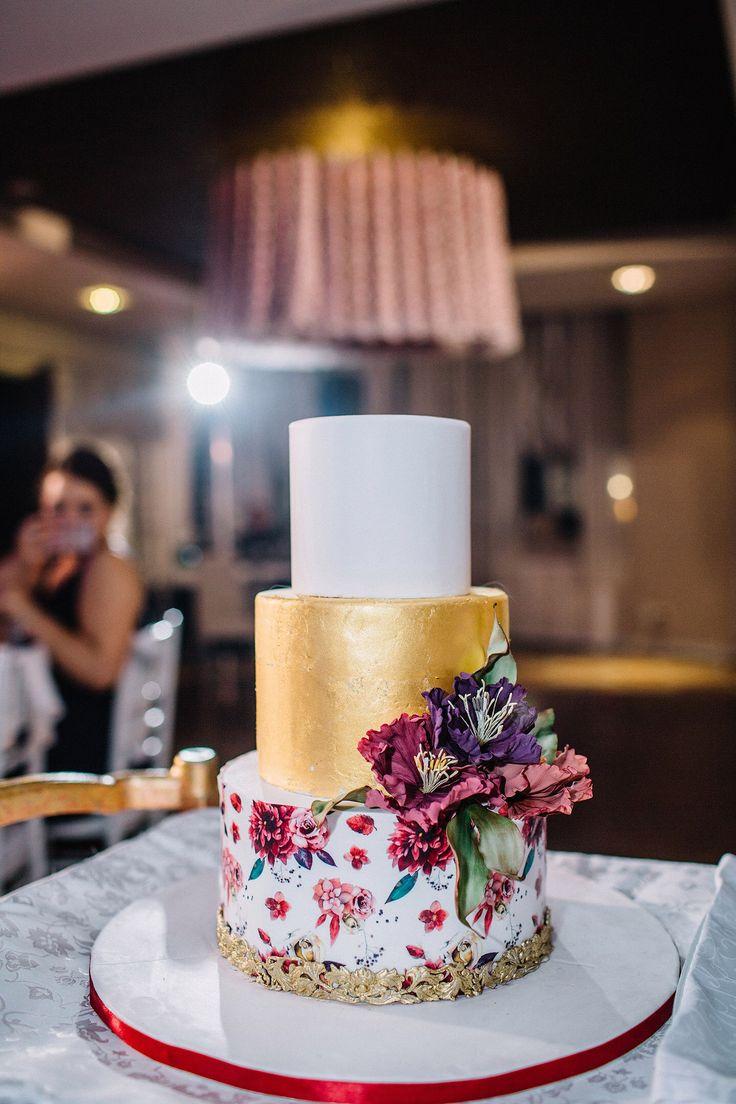 Свадебный торт, торт на свадьбу, мастичный торт, сусальное золото, торт, wedding cake, mastic cake, gold leaf, cake