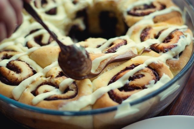 Nutella cinnamon rolls met witte chocolade -