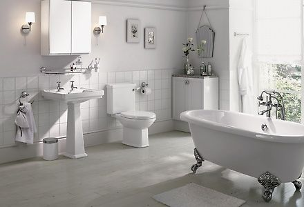 Inspired by the Victorian era with roll-top rims and ornate feet, intricate designs and features, this decadent Lincoln bathroom suite brings a bit of vintage charm to your home.
