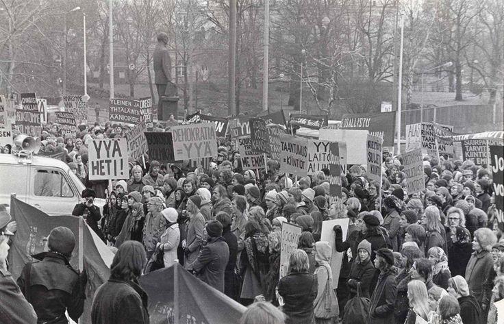 Kenen joukoissa seisoin? Muistitiedon keruu 1970-luvun taistolaisliikkeestä 15.8.2015–15.2.2016
