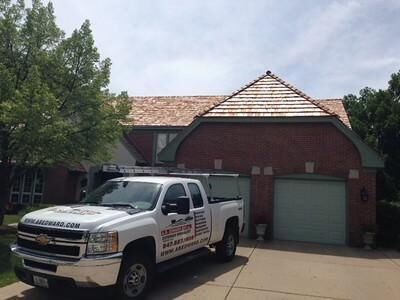 Best We Love Installing Chicago Cedar Shake Roofs While 400 x 300