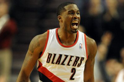 Breakdown: How Blazers hit 21 threes in blowout win against Bobcats- http://getmybuzzup.com/wp-content/uploads/2014/01/238912-thumb.jpg- http://getmybuzzup.com/breakdown-blazers-hit-21-threes-blowout-win-bobcats/- By Dane Carbaugh The Trail Blazers went above and beyond their usual barrage from behind the arc on Thursday night. Here, we take a look at how Terry Stotts' squad rained down on a good defensive team in Charlotte. Known for their offensive attack, the Portlan