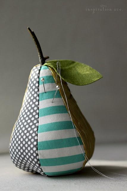 pear pin cushion....sew cute!