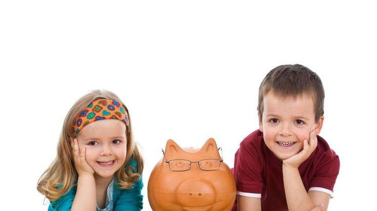 Treba im niečo dávať, to určite. Nech sa trošku naučia hospodáriť.  http://komercnespravy.pravda.sk/financie/clanok/404133-ako-na-vreckove-pre-deti-poradia-vam-v-partners-group-sk/