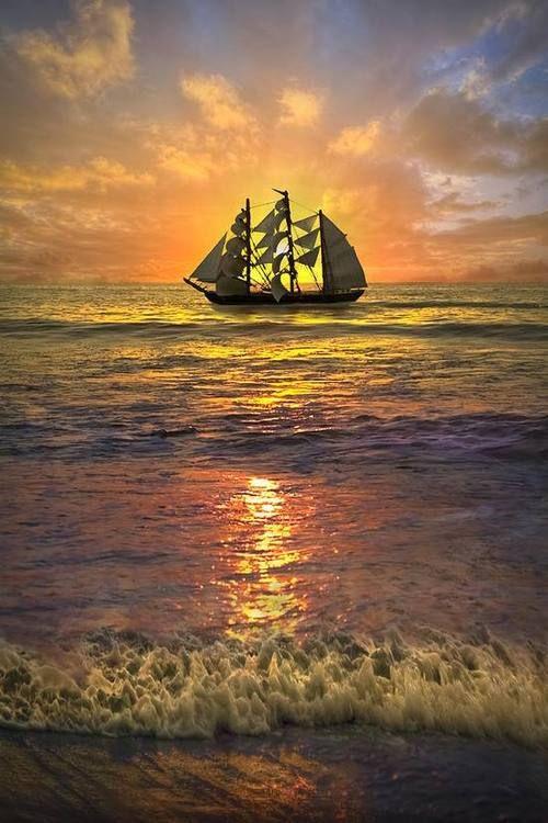 Tall ship |  ⛵ ✔ Sklep.marynistyka.org - przedmioty marynistyczne, żeglarskie, związane z morzem prezenty i dekoracje – modele jachtów i żaglowców, mosiężne kompasy i busole, dawne hełmy nurków i telegrafy maszynowe, historyczne sekstanty, żeglarskie dzwony pokładowe, lampy okrętowe, koła sterowe, lunety, zegary słoneczne...