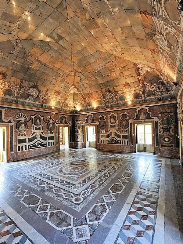 Sala degli Specchi - Villa Pelagonia - Palermo, Italy
