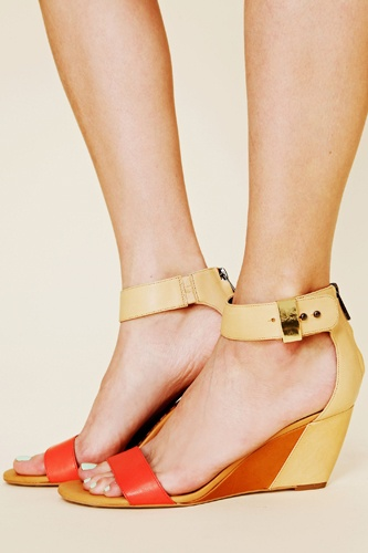 Love this two-tone leather wedge sandal in persimmon/natural colour.