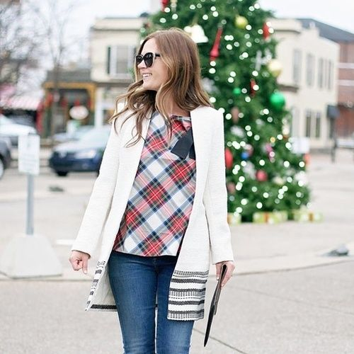 A pop of plaid for the holiday season!! @jillgg // #shopthelook #holidayootd #holidayoutfit #holidaystyle #plaid #twinklelights