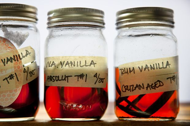 Homemade vanilla extract...Hmmm...vanilla infused coconut rum?????