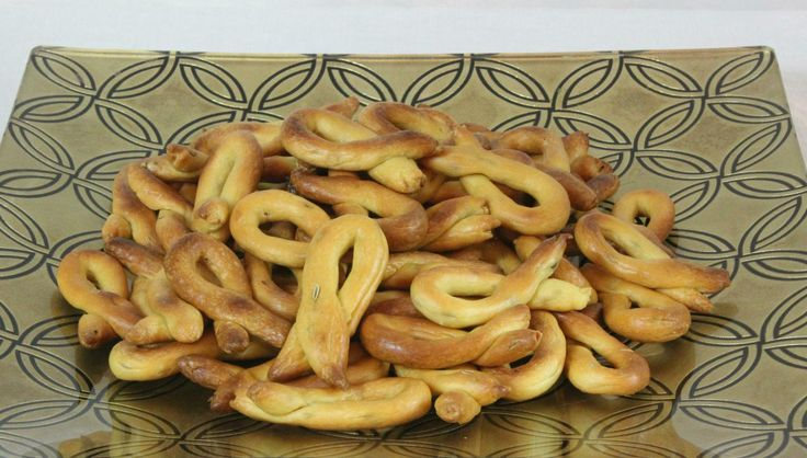 Taralli with fennel seeds.....more of a bread stick than a cookie but great with café latte.