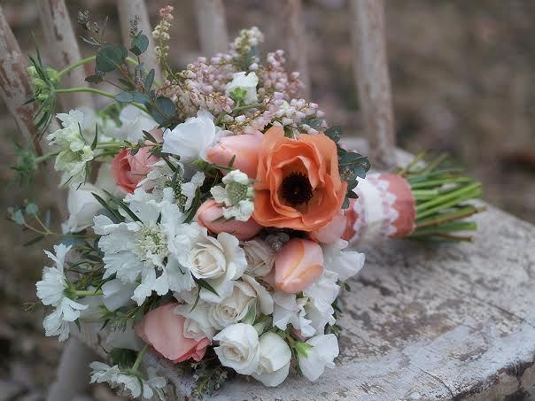 17 best alluring blooms images on pinterest wedding bouquets bridal bouquets and ribbons. Black Bedroom Furniture Sets. Home Design Ideas