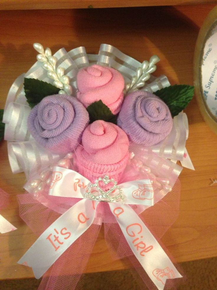 baby shower corsage Baby Socks Corsage 2 Pieces For Mom And Dad.