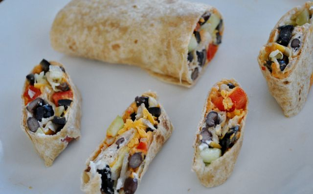 Veggie Hummus Wraps for Kids #KidsCookMonday #MeatlessMonday #Vegetarian