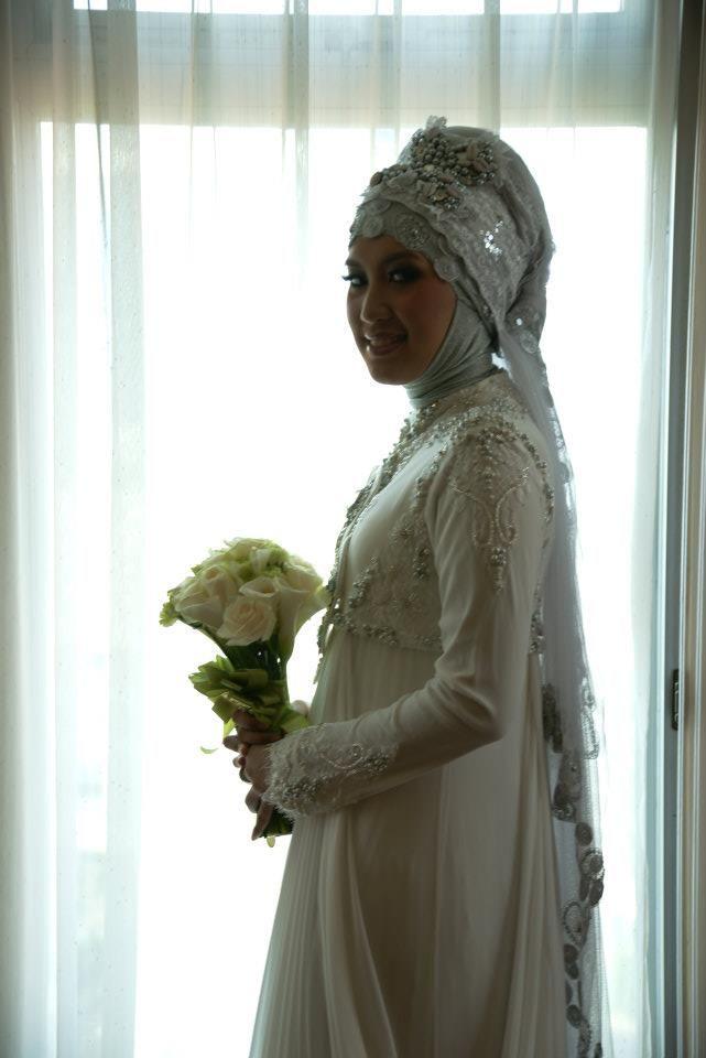 Irna Mutiara / Irna La Perle #indonesia #hijab #wedding #bride #gown
