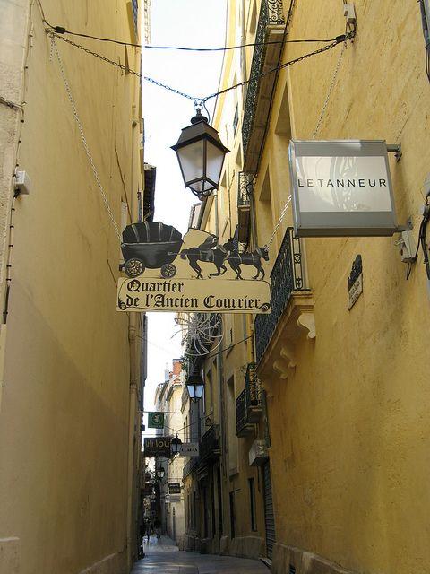 Dans les rues de Montpellier ou je fait ma campagne électorale en vue des élections de 2014 pour devenir maire et rendre la joie de vivre aux commerçants et aux montpelliérains.