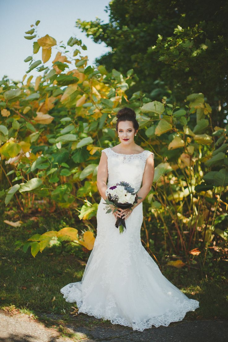 garden wedding, succulent bouquet