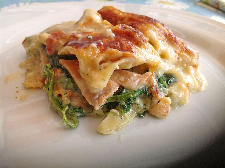 Leichte Spinat - Lachs - Lasagne (Rezept mit Bild) | Chefkoch.de http://www.chefkoch.de/rezepte/537081150799854/Leichte-Spinat-Lachs-Lasagne.html