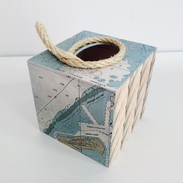 Pudełko na chusteczki wykonane ręcznie metodą decoupage z motywem mapy żeglarskiej i liny