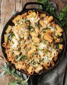 Pumpkin baked ziti w Pumpkin baked ziti with sage sausage. Get...  Pumpkin baked ziti w Pumpkin baked ziti with sage sausage. Get this and more delicious fall pumpkin recipes here. #pumpkinrecipes #fallrecipes #fall #recipes #pastarecipes Recipe : http://ift.tt/1hGiZgA And @ItsNutella  http://ift.tt/2v8iUYW