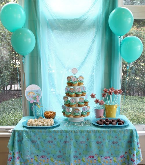 Mermaid Birthday Party - Little Girls Pool Party Ideas |Kara's Party Ideas: Mermaids Birthday Parties, Little Girls, Mermaids Theme, Girls Birthday Parties, Parties Ideas, Parties Tables, Pools Parties, Mermaids Parties, Birthday Ideas