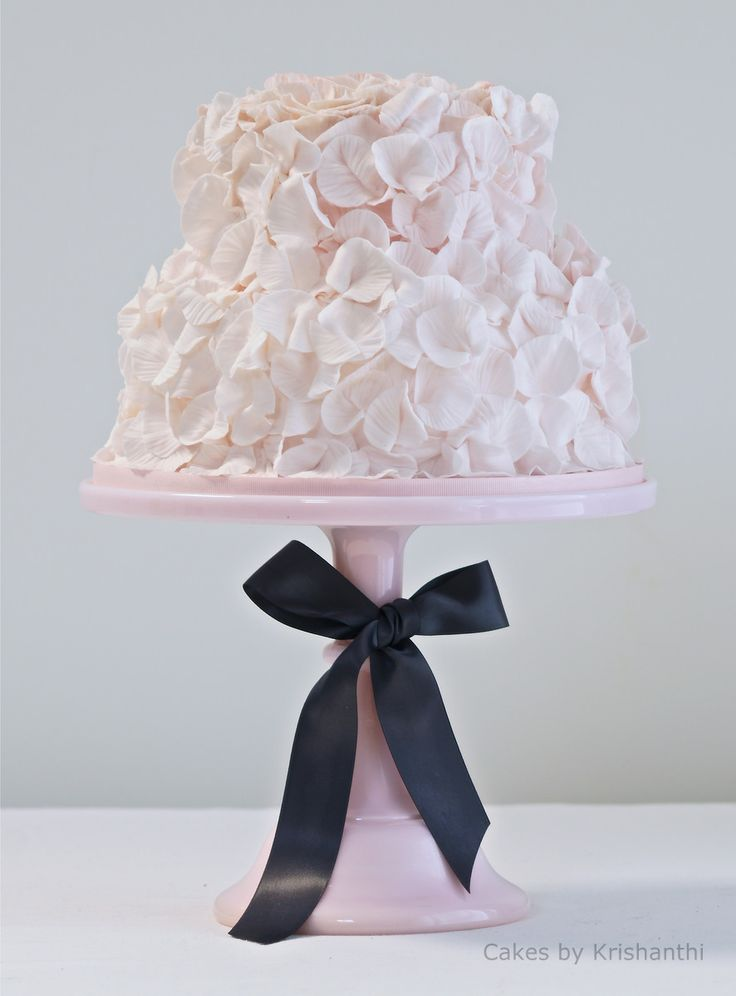 Pretty in pink! Delicate wedding cake by http://cakesbykrishanthi.co.uk
