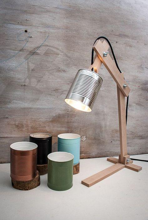 Silberne Schreibtischlampe, Silberner Lampenschirm, Originallampe, Recyclingdose, Schreibtischlampe, Holztischlampe, Holzlampe, Holzgeschenk