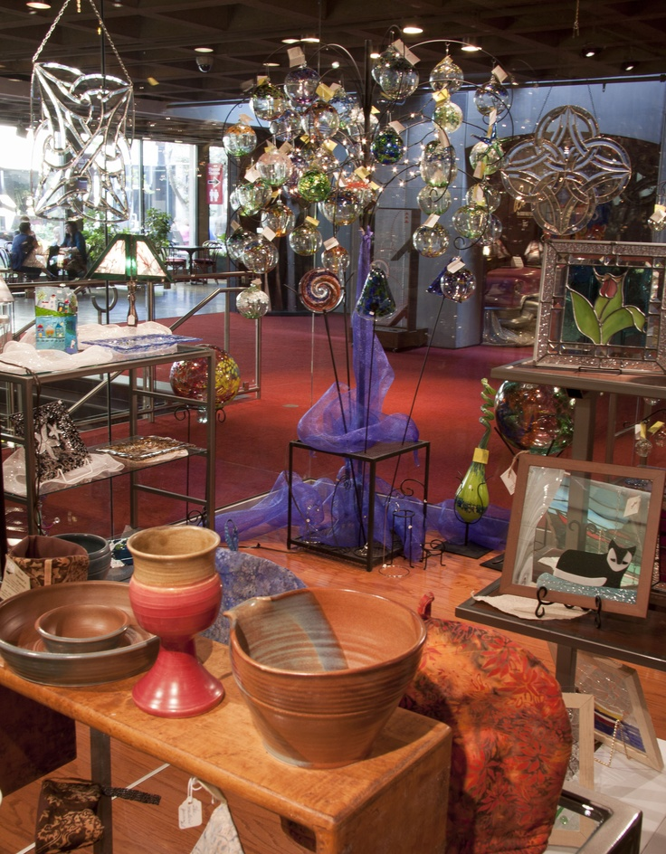 Finely crafted Island pottery, wood working, fused glass, and award-winning artisan jewellery & accessories.