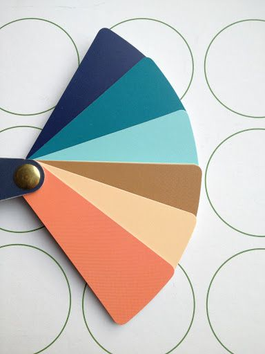 i chose this palette for my wardrobe by intuition, now i found it in a stylist's blog :D