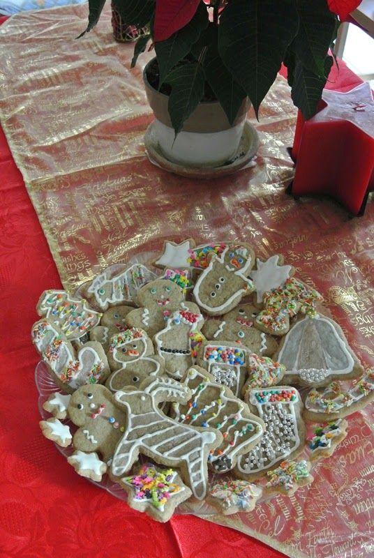 Finti gingerbread: frolla al grano saraceno speziata e decorazioni di Natale