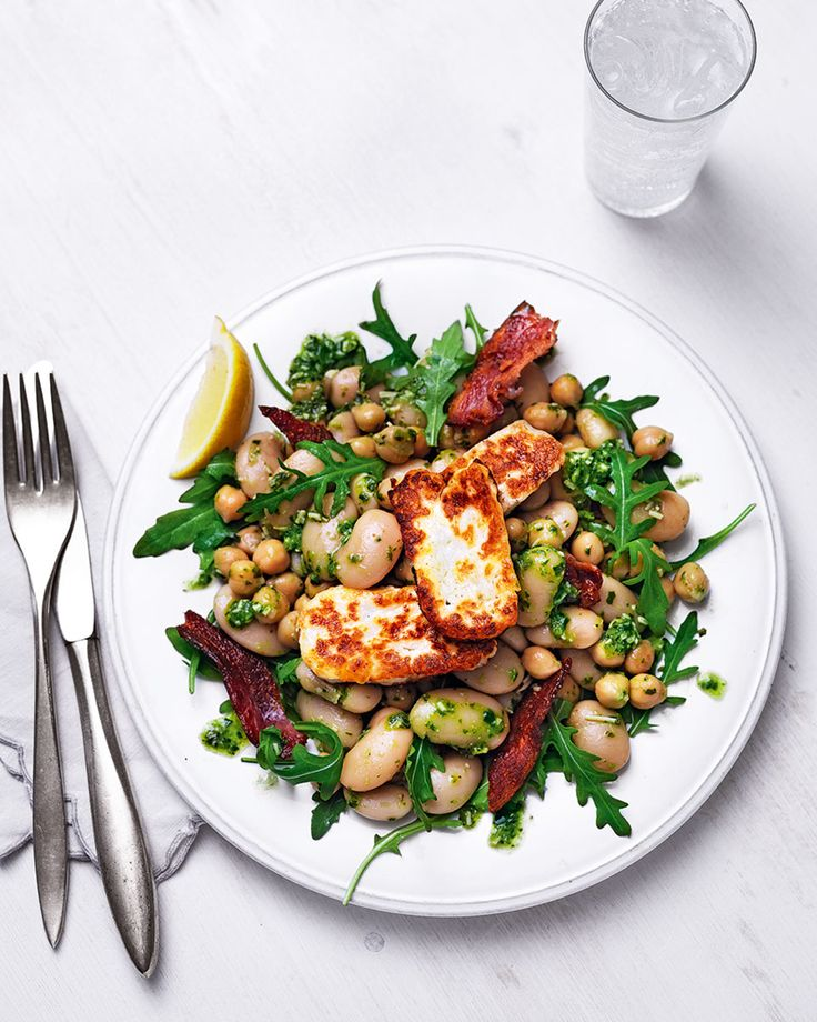 A quick 15-minute dinner has never looked so good. This filling salad is made with halloumi, homemade speedy pesto and crispy bacon to leave you feeling satisfied.