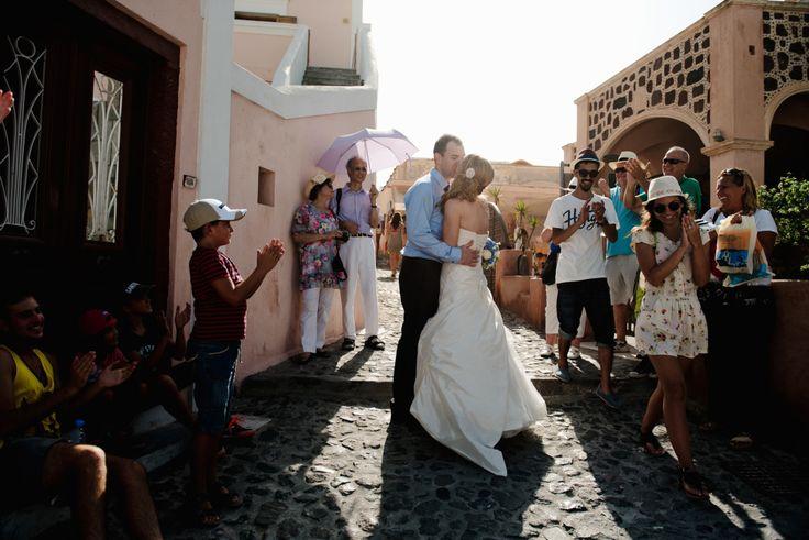 Santorini cobbled street party   Santorini Wedding Photographer   Teodora Simon