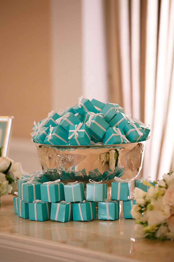 Tiffany blue inspired wedding favors: http://www.stylemepretty.com/2015/11/17/tiffany-blue-wedding-details-for-a-glamorous-day/