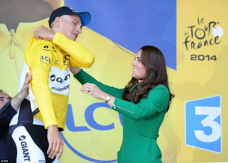 The Duchess of Cambridge presented the coveted yellow jersey to Germany's Marcel Kittel after the opening leg of the Tour de France today