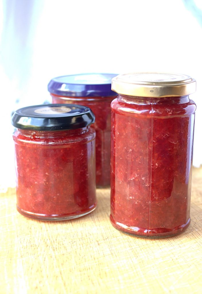 Strawberry & Vanilla Jam - 4 ingredients and no added pectin