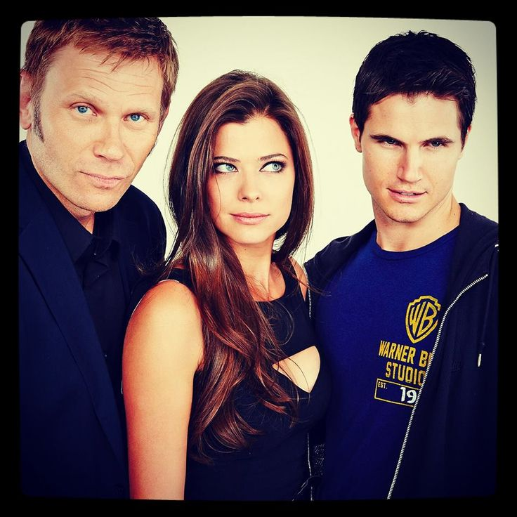 Mark Pelligrino, Peyton List, and Robbie Amell - the tomorrow people