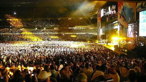 Soldier Field - Kenny Chesney | Mike | Flickr look how many people!!!