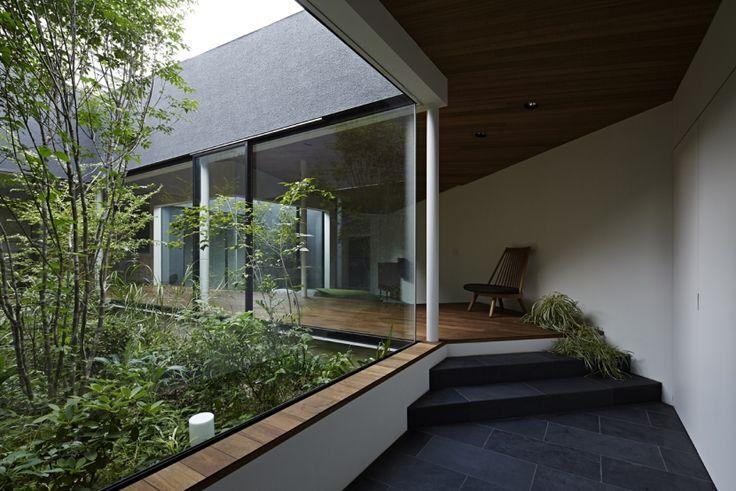 東村山の家の部屋 雑木林を巡る空間