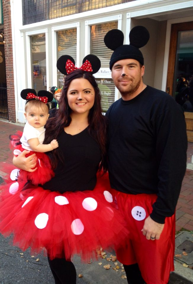 Make costume for dad, mom and the baby