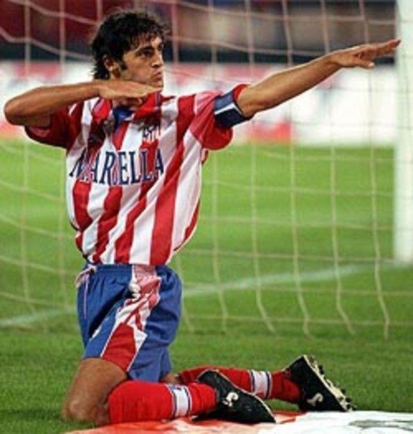 Kiko celebrando gol haciendo el arquero #atleti Atlético de Madrid Pin y sigue a @Pyra2elcapo