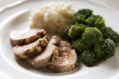 How to Cook Pork Tenderloin in a Roaster